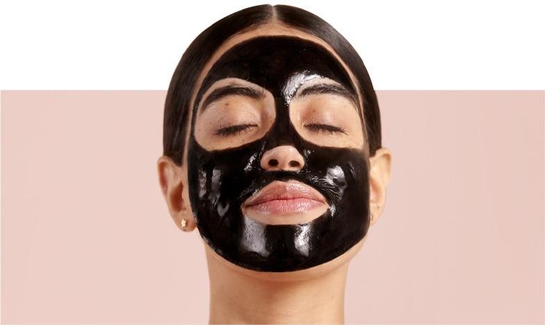 Máscaras faciales exfoliantes y revitalizantes para remover células muertas y eliminar puntos negros, realizadas con ingredientes naturales